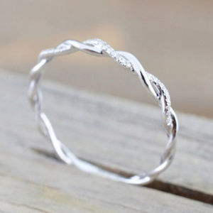 Jewelry - Gorgeous Diamond Twist Band SILVER